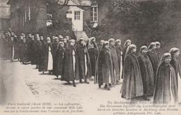 PARIS Bombardé (Avril 1918) - Un Obus Sur Une Crèche -  Les Infirmières Suivant Le Convoi Funèbre De Mlle LAIR Tuée Pend - Guerre 1914-18