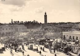 Visage Photographique Du Maroc N'98 - MARRAKECH - La Place Djemaa-el-Fna Et Le Minaret De La Mosquée De La Koutoubia - Marrakech