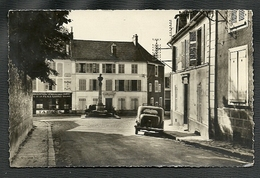 LA FERTE ALAIS =  CARTE POSTALE -LA PLACE CARNOT - La Ferte Alais