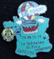 ROBERT LE SPECIALISTE DU PIN'S SAPEURS POMPIERS - CARTE DE FRANCE - CASQUES  -  (21) - Brandweerman