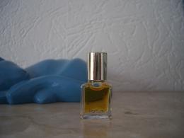 Miniature Daniel D Parfum 2ml - Miniature Bottles (without Box)