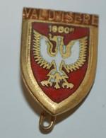 Rare Petit  Insigne Val D'Isère  Format 1.5 X 2cm - Altri