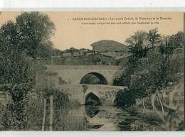 79 - Argenton Château : Les Ponts  Cadoré, Le Tramway Et Le Tumulus - Argenton Chateau