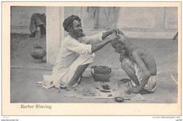 Asie . N° 49591 . Inde . Barber Shaving - India