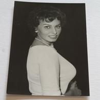 SOPHIA LOREN- Carte Postale Maxi ( A5 : 21 X 15 ) - Photo UP - Attori