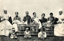 CPA Une Creche Des Soeurs De Saint-Paul VIETNAM-INDOCHINA (840701) - Viêt-Nam