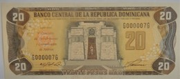 Billet De 2O Pesos Oro République Dominicaine 1992 Pick 139 Neuf/ UNC - Cartoline