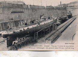 Cherbourg -  Arsenal  - Vue  Par  L' Arrière  De  Sous  Marins  Livrés Par  L'allemagne. - Cherbourg