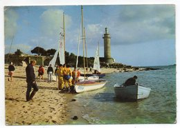 BENODET--1980--Centre De Yachting,La Plage Et Le Phare Du Coq (très Animée ,voiliers ) - Bénodet