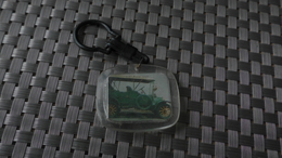 PORTE CLEF CONFISERIE DACCORD LIMOGES VOITURE FORD 1925 - Autres Collections