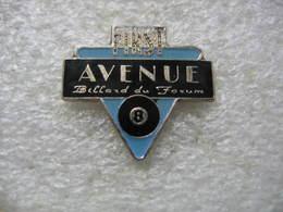 Pin's First Avenue, Billard Du Forum. Boule Noire N°8 - Billard