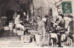 A 234La Champagne, Travail Du Vin De Champagne Préparation Des Bouteilles Pour L'expédition 1911 - Autres Communes