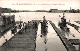 5698 -2019     LA ROCHELLE PALLICE   SOUS MARINS AU POSTE D AMARRAGE - La Rochelle