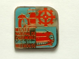 Pin's MUSEE NATIONAL DE L'AUTOMOBILE - COLLECTION SKLUMP - MULHOUSE - Non Classés
