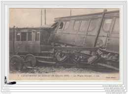 10222  FRD27 AK PC CPA/FRANCE/CATASTROPHE DE BERNAY/LES WAGONS TELESCOPES/1910 - Francia