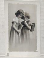 Grete Reinwald. - Retratos