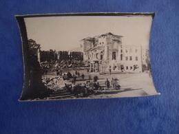 Photo Guerre 14-18 En Italie à Identifier Asiago La Place à Gauche L'auto Du Roi - Guerra, Militares