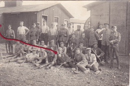 ( 80 ) - Abbéville Prisonniers P.O.W.  Carte Photo Allemande - Other Municipalities