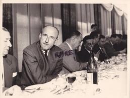 PHOTO ANCIENNE,73,SAVOIE,BANQUET DE LA PERCEE DE LA CENTRALE SOUTERRAINE CONSTRUITE,OUVRIERS,HOMMES POLITIQUES,RARE - Places