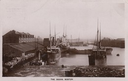 Postcard The Docks Boston Steam Ships In Harbour Shipping Interest PU 1930 [ Ruddock Of Lincoln ] My Ref  B13111 - Cargos