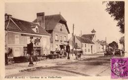 Paray  78  Carrefour De La Vieille Poste-Cafe-Tabac (Centre De L'Aviation) Terrasse Animée-Pompes A Essence Et Voitures - Otros Municipios
