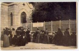 Lourdes - Les Pelerins A La Fontaine Maraculeuse - Formato Piccolo Non Viaggiata  – E 11 - Other