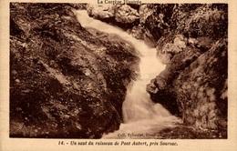 CPA Un Saut Du Ruisseau De Pont Aubert, Près Soursac - Unclassified