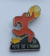 P124 Pin's Politique PCF Parti Communiste Fete Huma 56 Humanité Journal Presse Media Achat Immediat - Médias