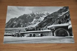 9101-    COURMAYEUR, ENTREVES - Italy