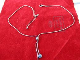 Bijoux Fantaisie/Collier Pendentif à 3 Pierres Fantaisie Bleutées/Métal Argenté/ Chaîne Serpent/Vers 1960-1970     BIJ92 - Jewels & Clocks