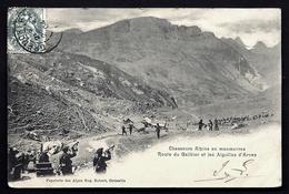 CP 7- CPA PRECURSEUR- MILITARIA- CHASSEURS ALPINS EN MANOEUVRES SUR LA  ROUTE DU GALIBIER EN 1900- CLAIRONS- - Militaria