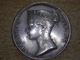 1857-1858 - VICTORIA REGINA, INDIA, Medaille SILVER 30,04 Gr. Diametre 35 Mm. - United Kingdom