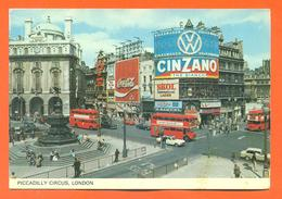 """CPSM GF London """" Piccadily Circus """" Autocar - Bus - Pub Cinzano - Volkswagen - Piccadilly Circus"""