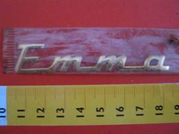 ADESIVO - EMMA - NOME NAME METALLIZZATO ORO GOLD RILIEVO VINTAGE 1970 ADHESIVE ETIQUETA ADHESIF - Adesivi