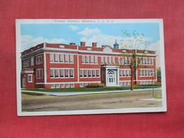 Public School  Mineola   New York > Long Island   Ref 3311 - Long Island