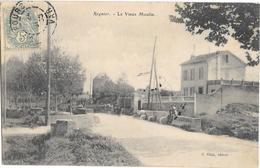 Regnier ,le Vieux Moulin - France