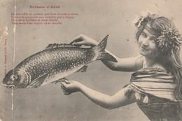 1ér AVRIL : Poisson D'avril ( Enfant Tenant Un Poisson ) Photo Bergeret - Précurseur - 1 De April (pescado De Abril)