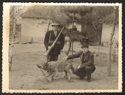 Man Hunter With Rifle And Dead Wolf Old Photo 12x9 Cm #25225 - Personnes Anonymes