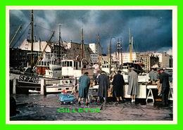 BERGEN, NORVÈGE - PARTI FRA FISKETORGET - THE FISH MARKET -  EBERH B. OPPI - - Norvège