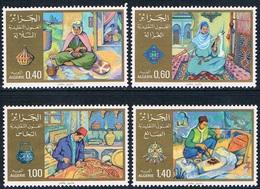 Algérie - Arts Traditionnels 728/731 (année 1981) ** - Algérie (1962-...)