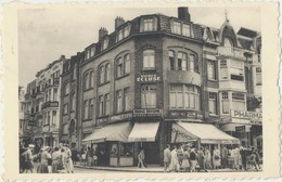 Postkaart CPA De Panne.  Au Bridge Taverne, Avenue De La Mer 174. - De Panne