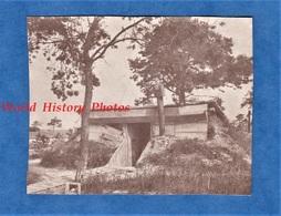 Photo Ancienne D'un Poilu - Abri De Soldat - Front à Situer - WW1 1ere Guerre Mondiale Trench Tranchée - War, Military