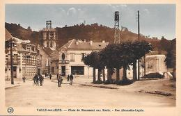VAILLY Sur AISNE ( 02 ) - Place Du Monument Aux Morts - France