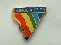 PIN'S MINOLTA CF 70 - EMAIL - Fotografie