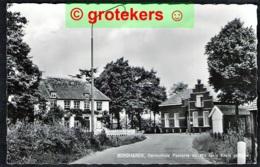 BERGHAREN Hervormde Pastorie En Wit Gele Kruis Gebouw 1966 - Pays-Bas