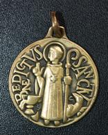 """Beau Médaillon Pendentif Médaille Religieuse """"Saint Benoit"""" Religious Medal - Religión & Esoterismo"""