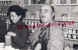 87- LIMOGES- M. ET MME DELUCHE - LE CAFE BRULERIE -19 RUE SAINT MARTIAL - RARE PHOTO ORIGINALE - Métiers