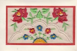 Brodée : Fleurs - Embroidered