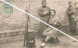 Tien-Tsin(China)-Chinese Girl With A Hairdresser-Jeune Fille Chinoise Se Faisant Coiffer Dans La Rue - Chine