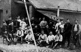 59 LANDRECIES ??? CARTE PHOTO / 1914 / CUIRASSIERS / MILITAIRES / SOLDATS / 4e Ou 9e RÉGIMENT DE CUIRASSIERS ??? - Landrecies